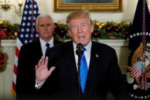 Pasaulis, išskyrus Izraelį, smerkia D. Trumpo pranešimą dėl Jeruzalės