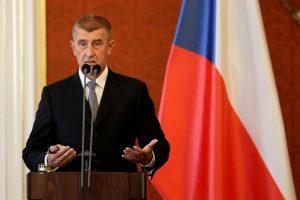 Čekų milijardierius A. Babišas vėl prisaikdintas šalies premjeru