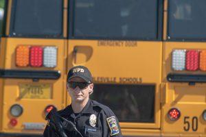 D. Trumpo komisija rekomendavo apginkluoti mokyklų darbuotojus