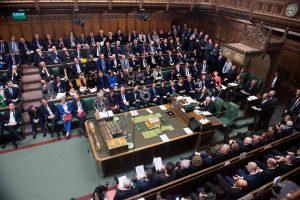 """Paskelbė datą, kada D. Britanijos parlamentas balsuos dėl """"Brexit"""" sutarties"""