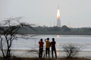 Pirmuoju pilotuojamu Indijos erdvėlaiviu skris trys astronautai