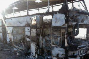 Kazachstane užsiliepsnojus autobusui žuvo mažiausiai 52 žmonės