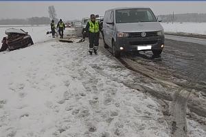 Kėdainių rajone – automobilių kaktomuša, žuvo du žmonės