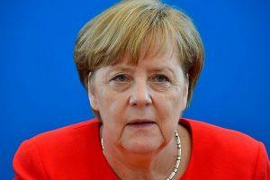 A. Merkel populiarumas smukęs iki rekordinių žemumų