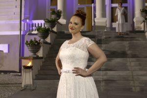Apkūnios merginos griauna stereotipus apie vestuvinessukneles