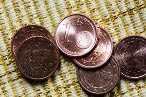 Estija planuoja atsisakyti 1 ir 2 centų monetų: ar reikėtų to Lietuvoje?