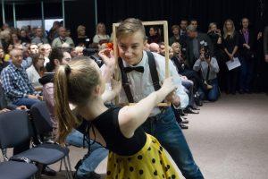 Atskleidė, kaip šokis padeda įveikti paauglių nuovargį
