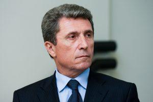 A. Valionis: bandymus dabar gaivinti santykius su Lenkija reikėtų vertinti atsargiai