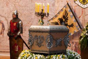 Atsisakę visų istorinių asmenybių, kalbėjusių lenkiškai, nebeturėtume didikų