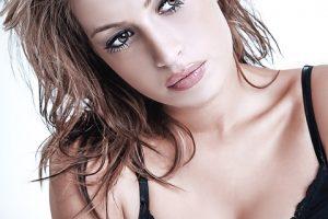 Krūtų didinimas: ko geidžia skirtingo amžiaus moterys?