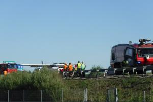 Lenkijoje sugedęs lėktuvas buvo priverstas tūpti ant automagistralės
