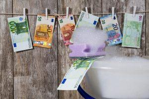 Po pinigų plovimo skandalų ES planuoja padidinti bankų priežiūros institucijų galias