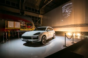 """Lietuvoje –  naujausio """"Porsche Cayenne"""" premjera"""