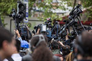Rusijos parlamentas žada uždėti apynasrį JAV žurnalistams