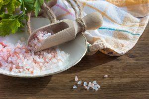Kuo naudingas gydymas druskomis?