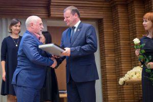 Premija, medalis ir premjero padėka – dopingo platinimu įtariamam B. Vyšniauskui
