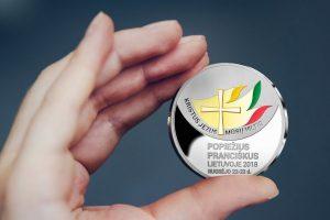 Popiežiaus vizitui Lietuvoje – proginis medalis