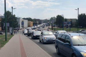 Dėl avarijos Pilies gatvėje susiformavo automobilių kamšatis