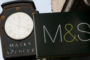 """""""Marks & Spencer"""" ketina uždaryti daugiau kaip 100 parduotuvių"""
