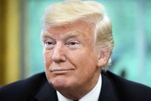 """D. Trumpas įspėjo apie """"brutalius"""" pokyčius, jei respublikonai pralaimės rinkimus"""