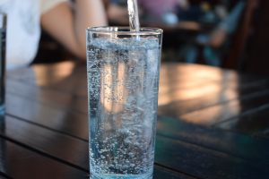 Mineralinis vanduo – alternatyva netoleruojantiems laktozės