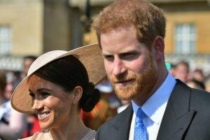 Karališkųjų vestuvių svečiai pardavinėja menkaverčius suvenyrus už tūkstančius