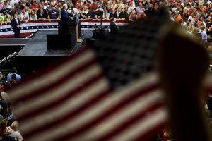 JAV Senato komitetas: Rusija kišosi į rinkimus JAV
