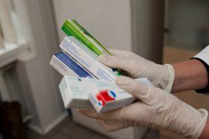 Keičiasi vaistų pakuotės: privalės būti su specialiomis apsaugos priemonėmis