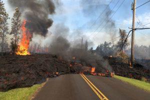 Havajuose tęsiantis ugnikalnio išsiveržimui atsivėrė naujų plyšių