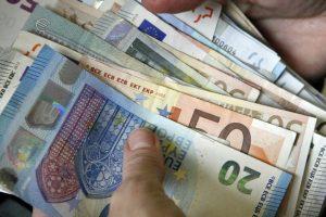 Ginčai tęsiasi: dėl kolektyvinio atstovavimo mokesčio nėra vieningos nuomonės