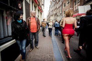 Amsterdamas imasi iniciatyvos: auklės turistus