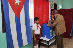 Kuboje per referendumą pritarta socializmo vaidmenį įtvirtinančiai konstitucijai