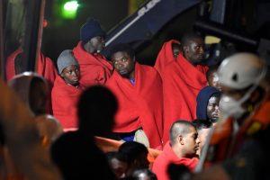Prie Ispanijos krantų išgelbėti mažiausiai 175 migrantai