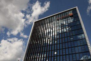 """""""Swedbank"""" Estijos filialas aktyviai ieškojo turtingų klientų iš Rusijos"""