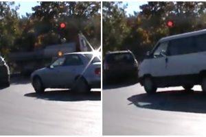 Vairuotojams baudos nė motais – toliau važiuoja per draudžiamą šviesoforo signalą