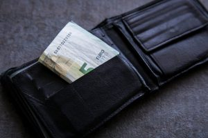 Mažų pensijų gavėjai gali tikėtis 20 eurų priemokos