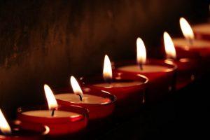 Motina ir dukra JAV įtariamos nužudžiusios penkis šeimos narius