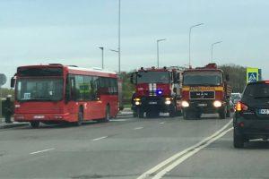 Nelaimė Aleksote: stotelėje užsiliepsnojo keleivinis autobusas