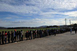 Makedonija įsileido 200 pabėgėlių, 10 tūkst. jų tebėra įstrigę prie jos sienos