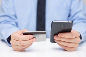 Lietuvos bankas: komerciniai bankai teisėtai reikalauja duomenų iš klientų