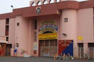 Indijoje nušauti lėkštėmis kalėjimo sargybinį nužudę islamistai