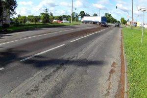 Iš transporto priemonės teršalai tekėjo net 24 kilometrus