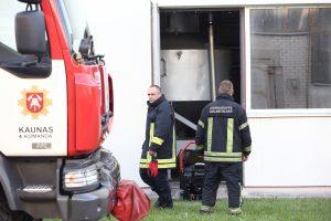 Energetikos instituto laboratorijoje išsiliejo chemikalai, evakuoti žmonės