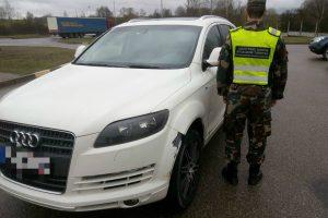 "Vogtame ""Audi Q7"" estas vežė maišą narkotikų"