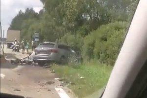 """Kraupi avarija Molėtų rajone: susidūrus vilkikui ir """"Toyotai"""" žuvo vyras"""