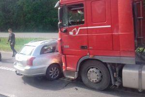 Avarija už Karmėlavos: į ligoninę išvežti trys žmonės