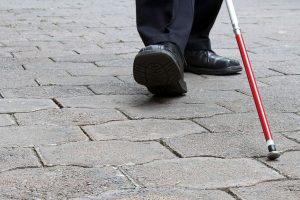 Teismas: aklas ginklų kontrabandininkas turi kalėti toliau