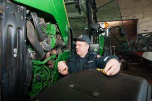 Teismui perduota žemės ūkio technikos vagių byla