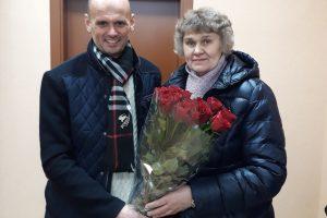 Moterų sveikatos draugijai – šypsenos ir gėlės