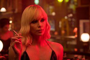 Kino teatrus užkariauja moteriškoji Dž. Bondo versija
